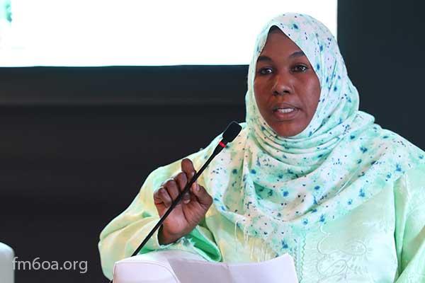 الدكتورة عائشة طه عبد الجليل أستاذة الشريعة في جامعة الملك فيصل في تشاد