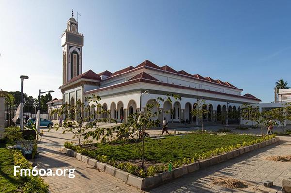 بناء المغرب للمساجد في إفريقيا.. إشعاع روحي والتزام ديني